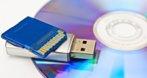SD-Card USB-Stick und CD