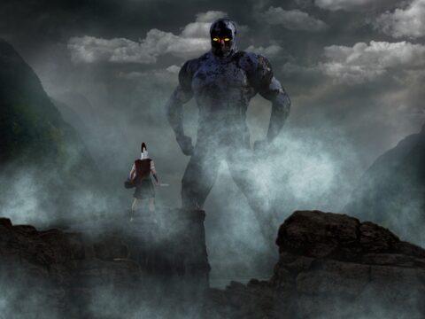 ein Titan erhebt sich aus dem Nebel
